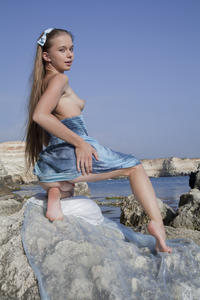http://img261.imagevenue.com/loc209/th_002003069_tduid300163_SexArt_Kinida_Milena_D_high_0076_123_209lo.jpg