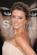 "صور Amber Heard - ""Salt"" Premiere in Los Angeles, July 19, 2010 *updated* th_41505_aMbErHeArDsAlTsCrEeNiNg071910nBs31_122_243lo.jpg"