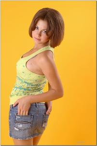 http://img261.imagevenue.com/loc31/th_278885834_tduid300163_sandrinya_model_denimmini_teenmodeling_tv_028_122_31lo.jpg