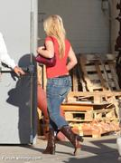 Nov 15, 2010 - Britney Spears shopping at Topanga Plaza Mall in Hollywood (24 MQ + 15 HQ) Th_05076_Forum.anhmjn.com_024_122_540lo