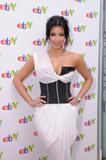Kim Kardashian (Ким Кардашьян) - Страница 5 Th_87841_KimKardashian_shops_at_the_eBay_Holiday_Store_05_122_594lo